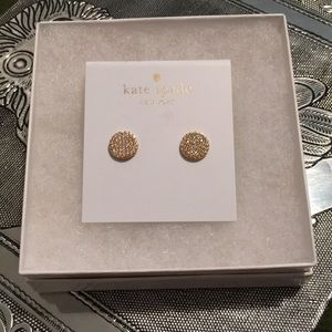 Beautiful gold sparkly Kate Spade earring